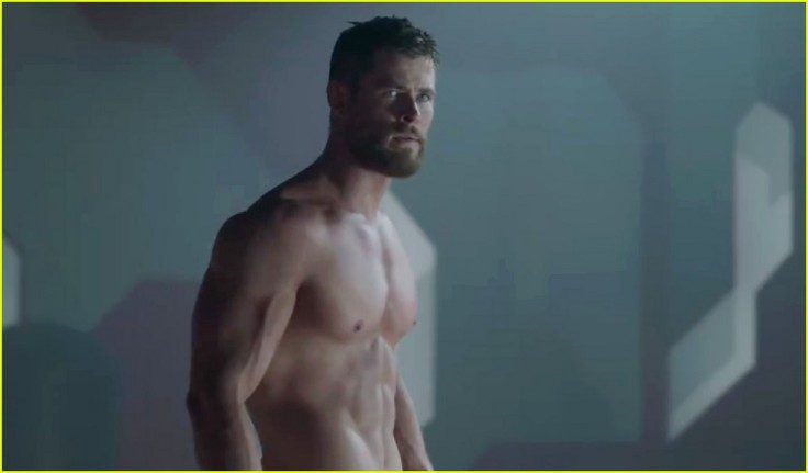 chris-hemsworth-shirtless-in-thor-3-trailer-new-poster-01